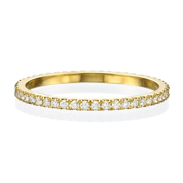 Изображение 14k Yellow gold ring with white diamonds all around