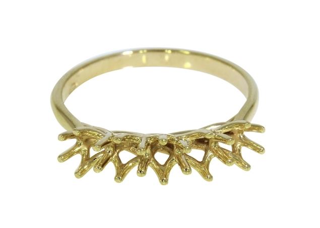 תמונה של טבעת נישואין קלה לשיבוץ 5 אבנים