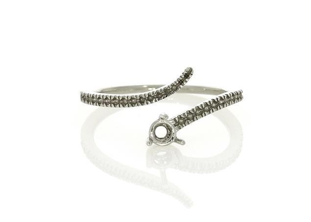 תמונה של טבעת סוליטר דמויי נחש